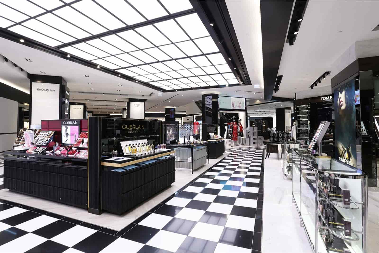 BLOOMINGDALE'S – KUWAIT CITY, KUWAIT
